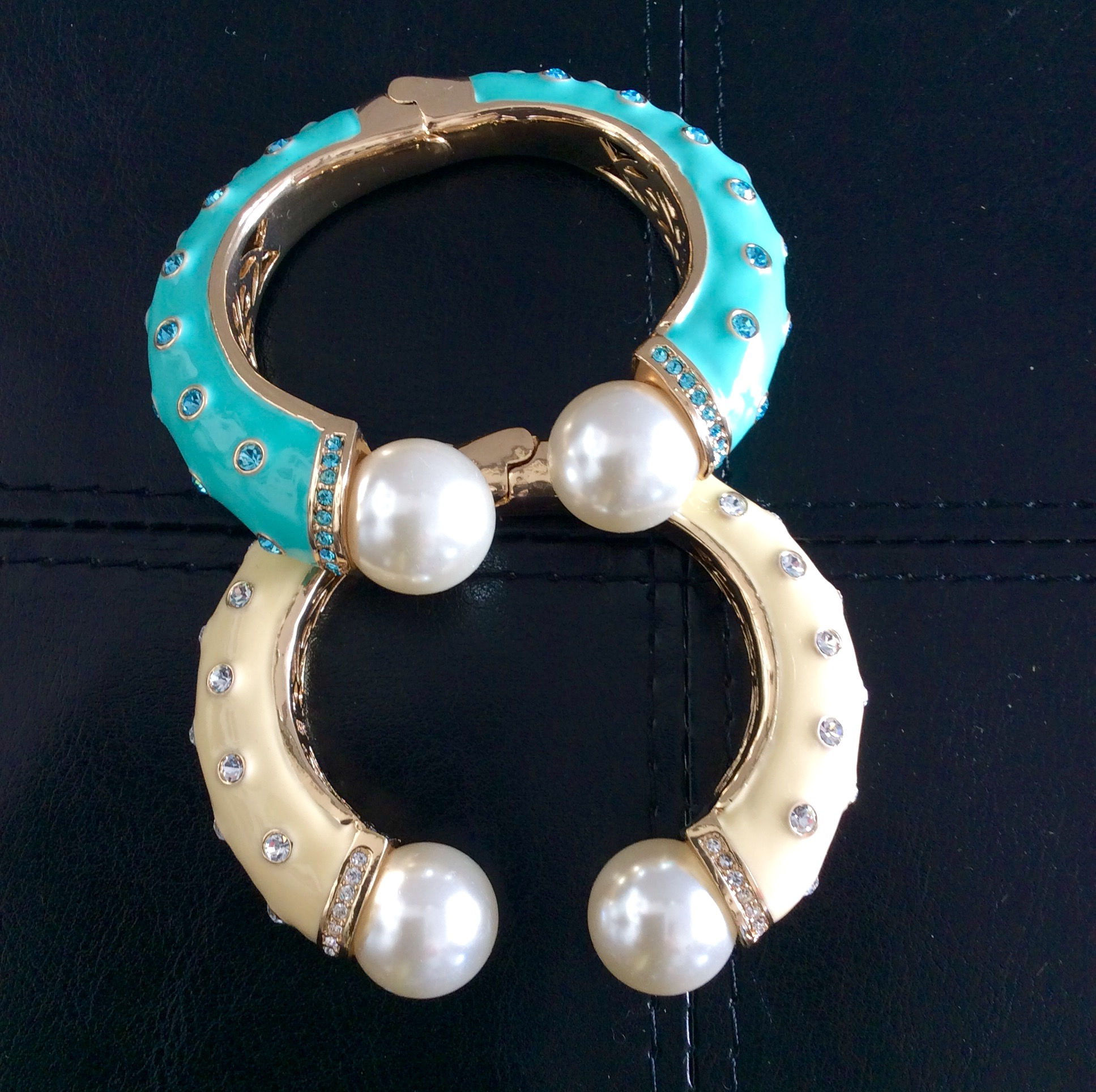 Amishi Yellow or turquoise bracelet with Pearls and Crystals