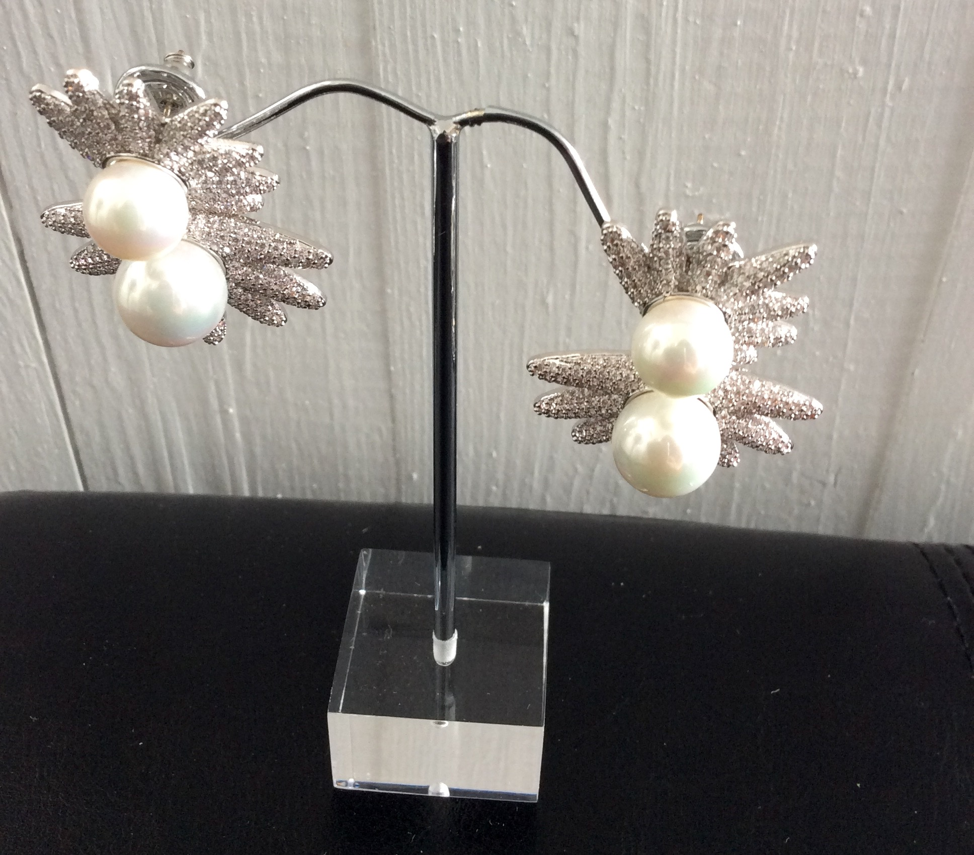 Amishi Silver Plated Pearl and Crystal earrings