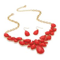 Red tone beaded necklace and earring set with gold colour chain and casings