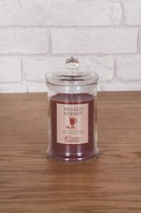 Christmas candle - mulled merlot in glass jar